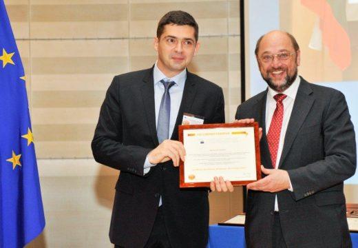 """Д-р Милен Врабевски – """"Европейски гражданин на годината"""" 2013"""