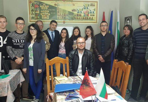 Д-р Милен Врабевски на посещение на българската общност в Албания