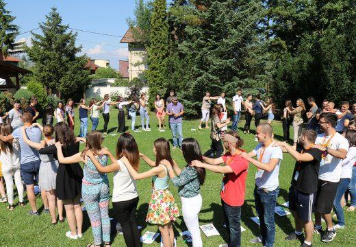 """Фондация Българска Памет организира младежки обмен, по програма """"Еразъм+"""", за придобиване на умения по предприемачество и финансова грамотност"""