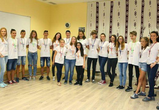 Д-р Милен Врабевски финансира провеждането на летен лагер за деца от различни религии и култури