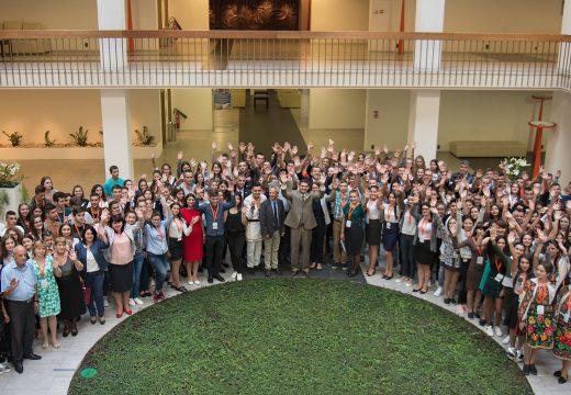 Започна ХХI Есенен семинар във Варна с участието на близо 200 деца от българската диаспора