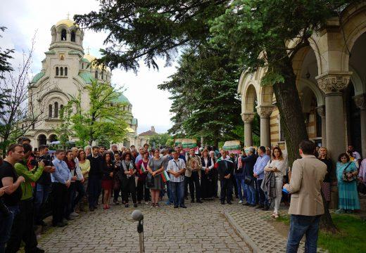 Вече има призиви на митрополити за свикване на извънредно заседание