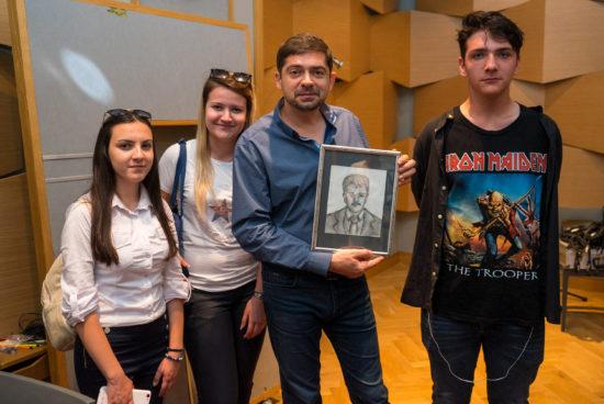 Д-р Милен Врабевски награди отличинци от Сърбия