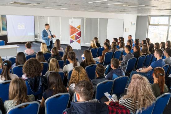 Младежи от Македония на пътешествие в България с подкрепата на д-р Милен Врабевски